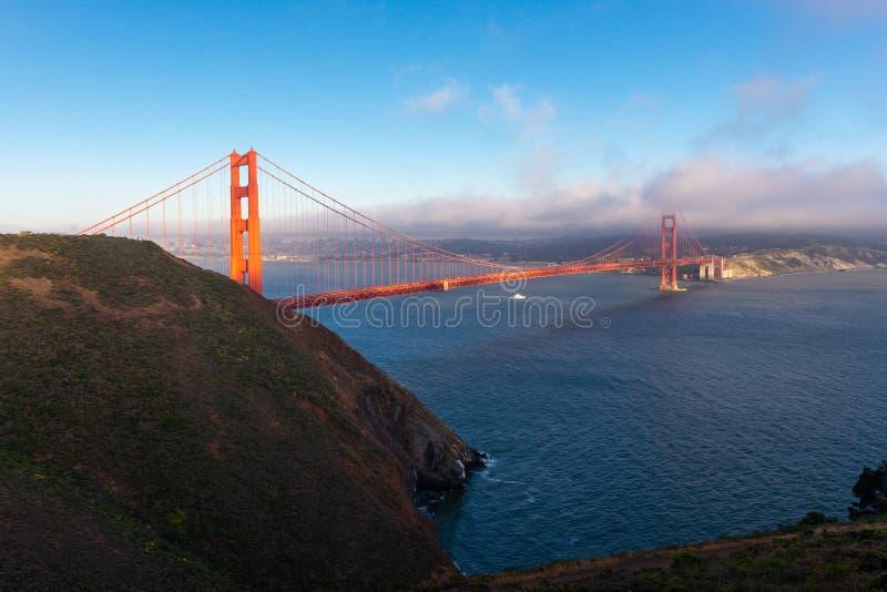 日落的,旧金山,加利福尼亚金门大桥 免版税库存图片