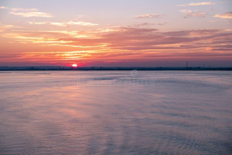 日落的,英国-英国船身港口 免版税库存照片