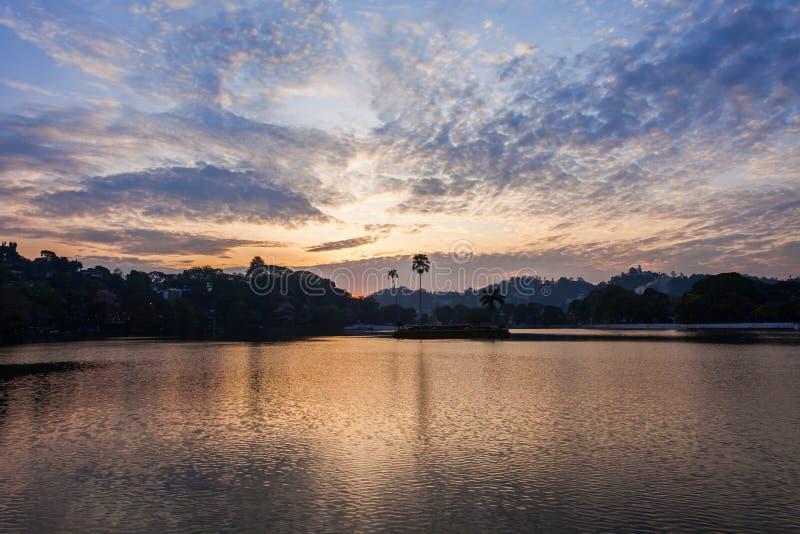 日落的Kandy湖 库存照片