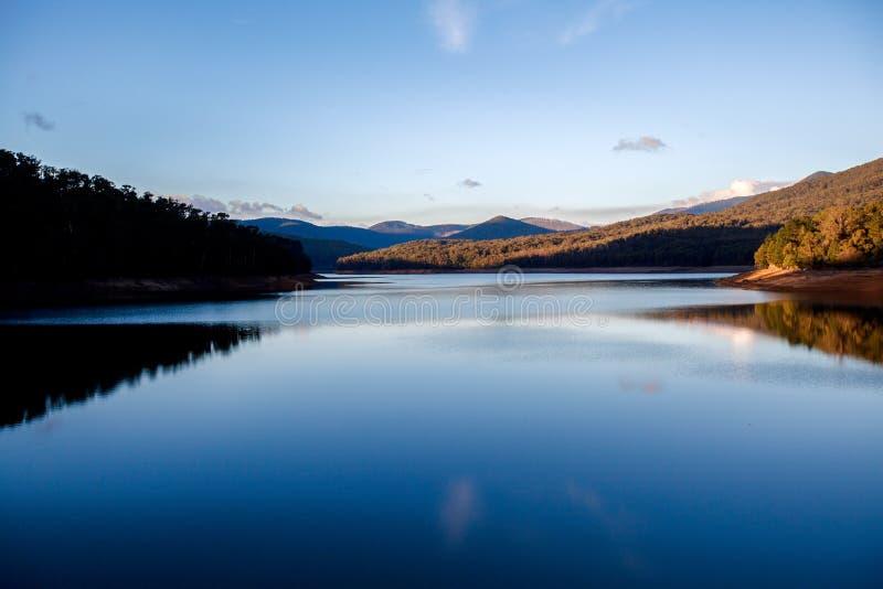 日落的Lysterfield湖 库存图片