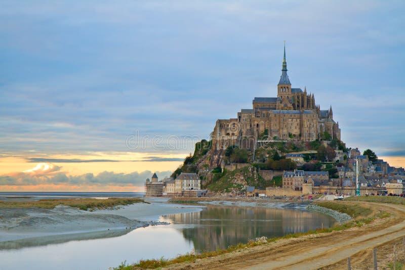 日落的Mont圣徒Michel,法国 免版税库存图片