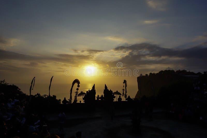 日落看法从Uluwatu寺庙,巴厘岛的 库存图片