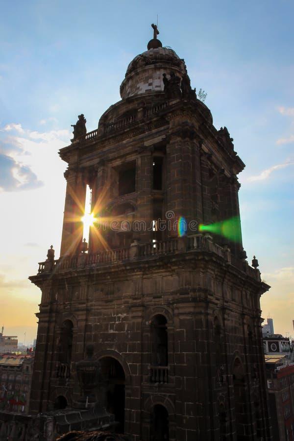 日落通过钟楼 库存照片