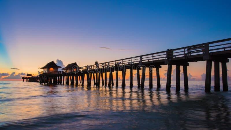 日落那不勒斯码头,佛罗里达美国 库存照片