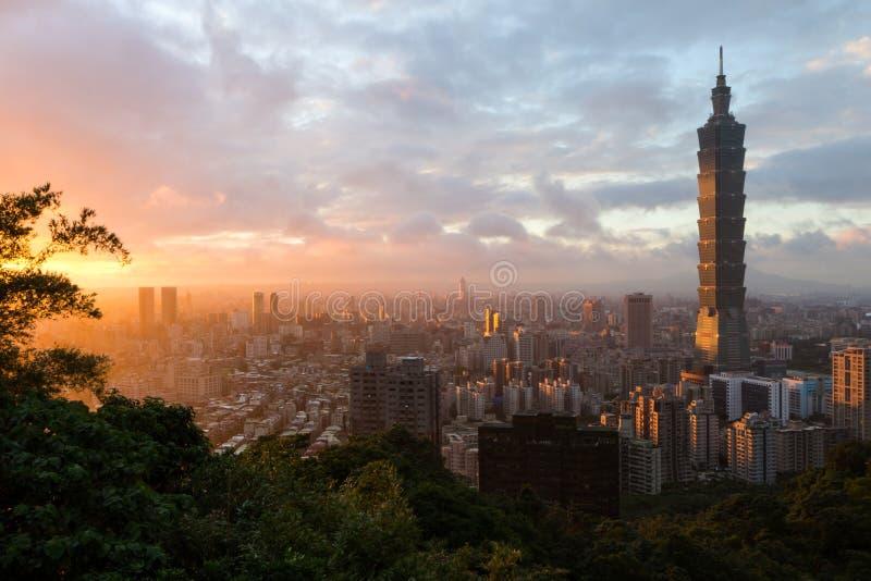 日落都市风景在台北,台湾 图库摄影
