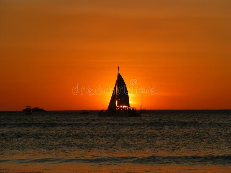 日落风船在哥斯达黎加 库存照片