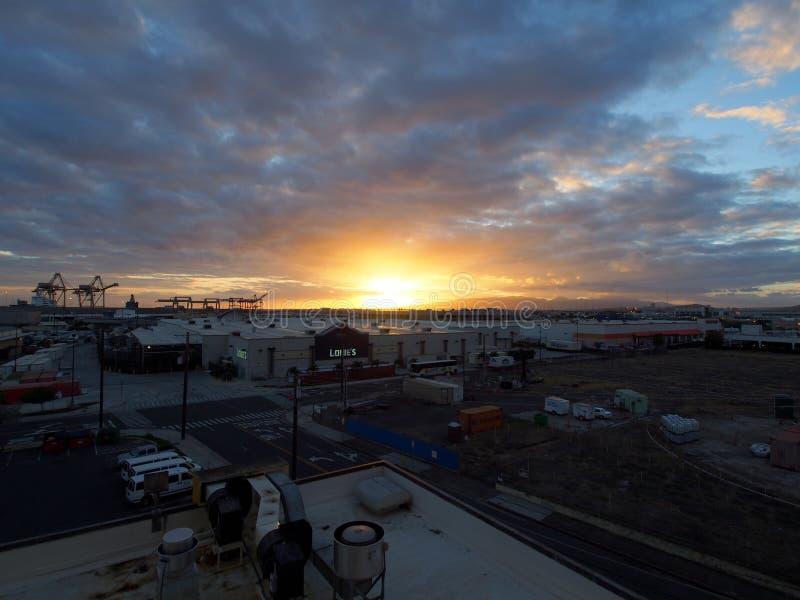 日落鸟瞰图在Lowe's、家得宝和运输的Cran的 库存照片