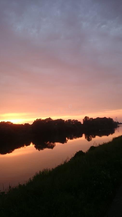 日落,河,天空,晚上,太阳 免版税库存图片
