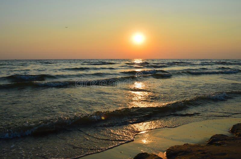 日落,海,海洋,海滩 免版税库存图片