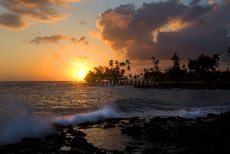 日落, Poipu海滩,考艾岛,夏威夷 库存照片