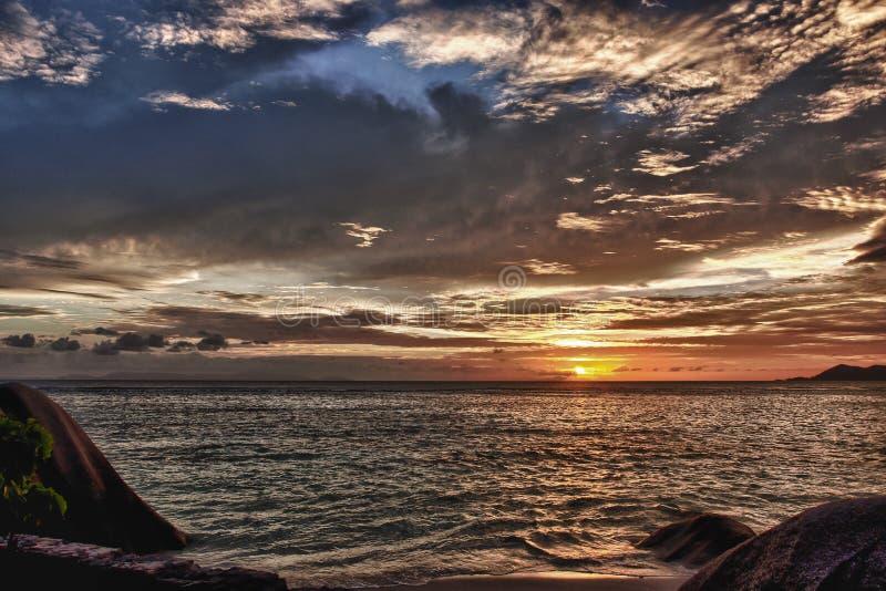 日落La digue塞舌尔群岛 库存照片