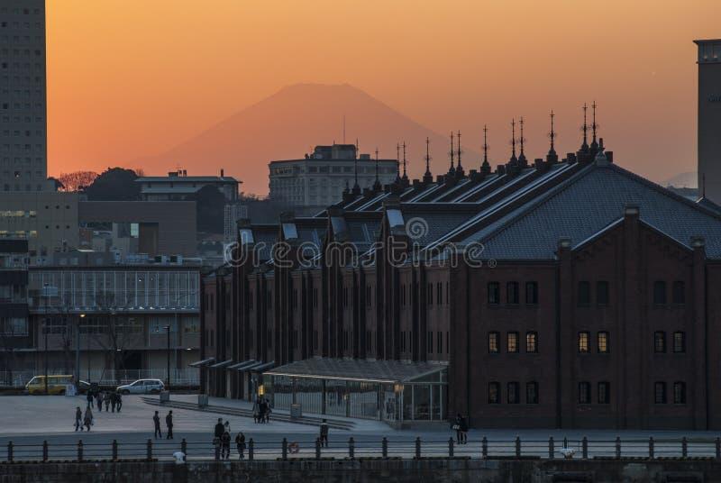 日落ove横滨,日本地平线  免版税图库摄影