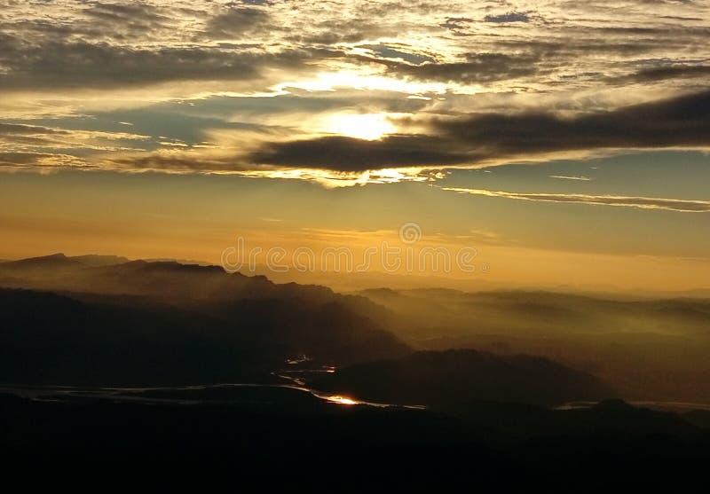 日落vashno devi 免版税图库摄影