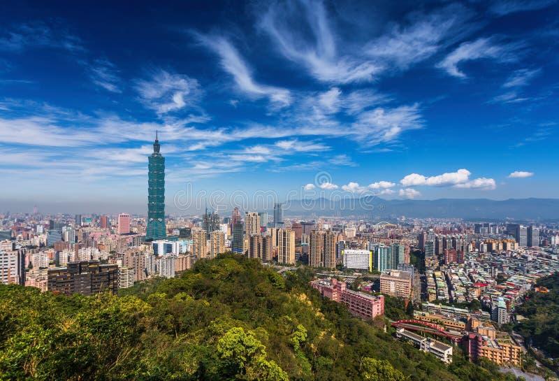 日间被观看的台北,台湾地平线 库存照片
