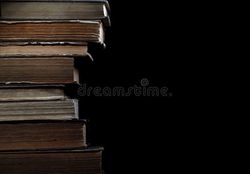 旧书在图书馆里 免版税库存照片