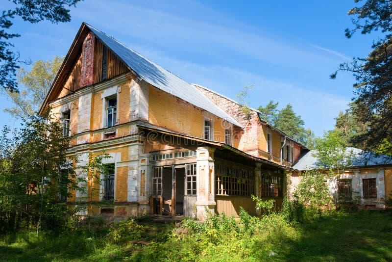 旧地产垮塌 库存照片
