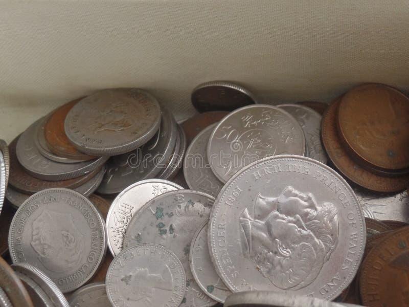 旧币和洋币混合 图库摄影