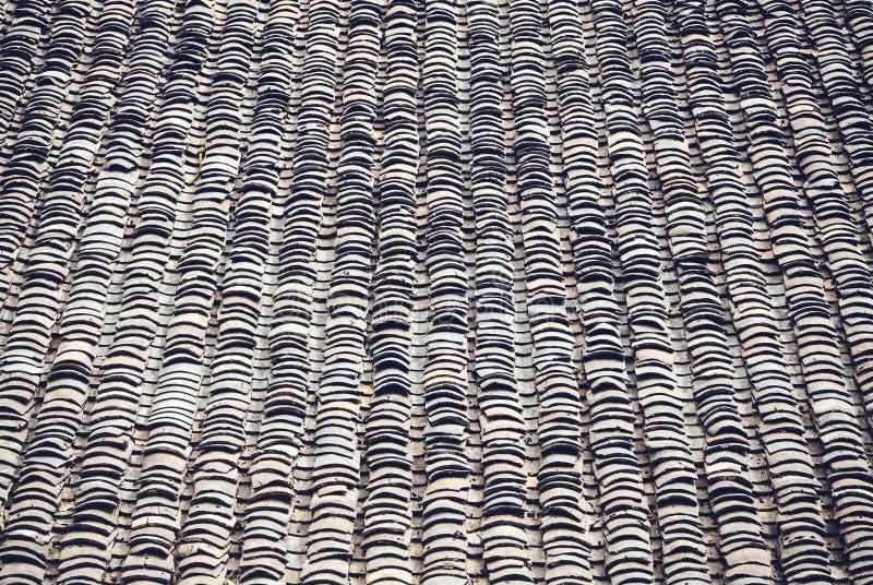 旧粘土瓦屋顶,抽象背景 免版税图库摄影