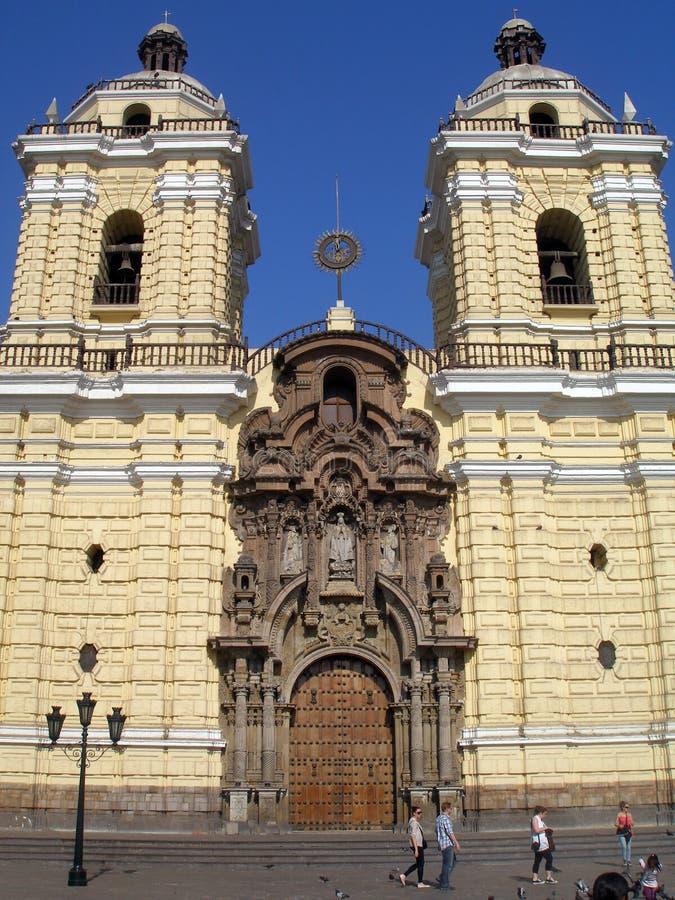 旧金山修道院在1673年奉献在利马,秘鲁 免版税库存照片