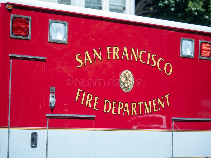 旧金山在救护车的边的消防队商标 免版税库存照片