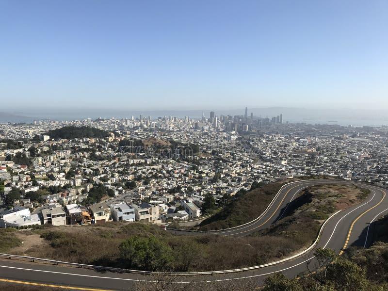 旧金山地平线从双峰顶的 免版税库存图片