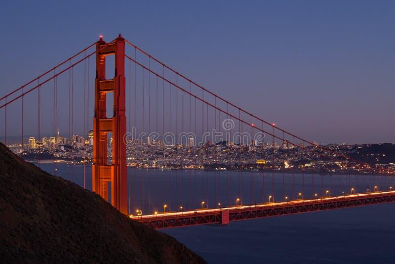 旧金山地平线通过金门大桥 库存照片
