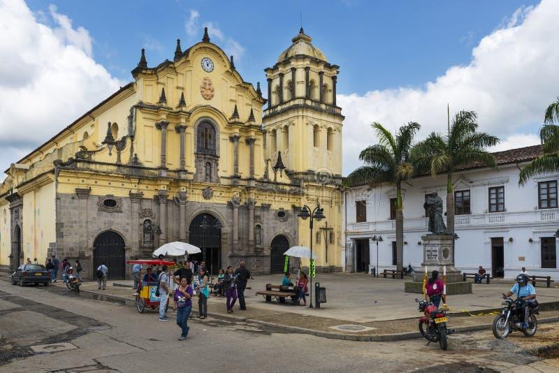 旧金山广场的看法和旧金山教会在波帕扬镇在哥伦比亚 免版税库存照片