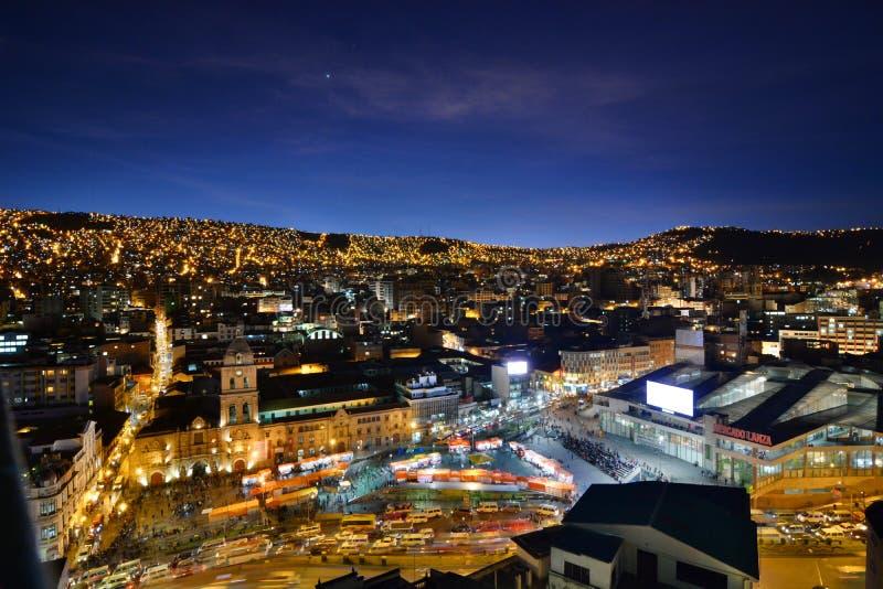 旧金山教会和兰扎市场在夜之前 拉巴斯 流星锤 库存图片