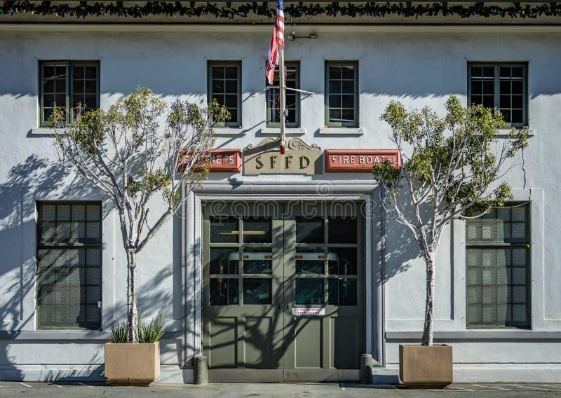 旧金山消防队的前面在Embarkadaro的 库存照片