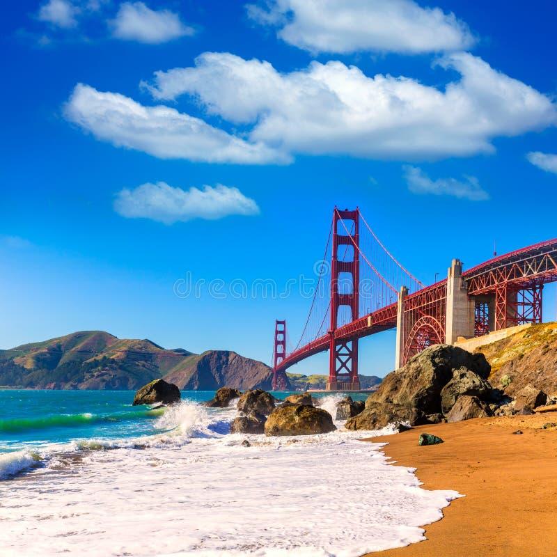 旧金山金门大桥马歇尔海滩加利福尼亚 免版税库存图片