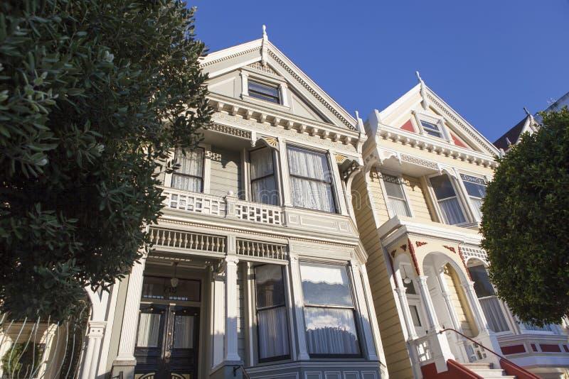 旧金山,美国阿拉莫广场维多利亚风格房屋 图库摄影