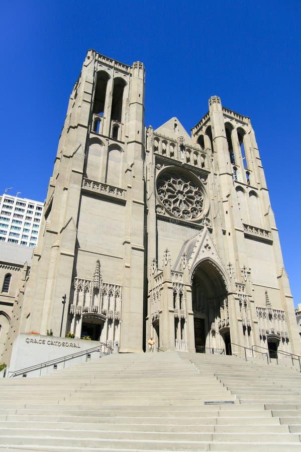 旧金山- 2008年8月2日:雍容大教堂站立在顶部 免版税库存图片