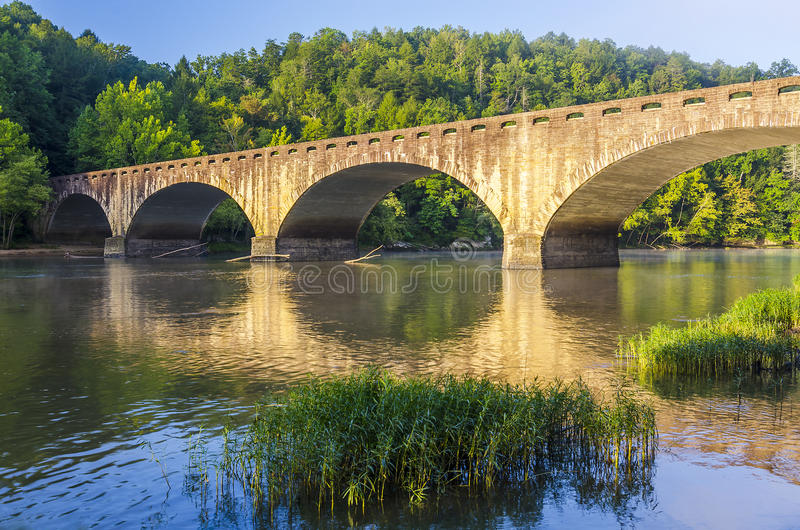 早晨光, Gatliff桥梁,坎伯兰郡在肯塔基落国家公园 库存照片