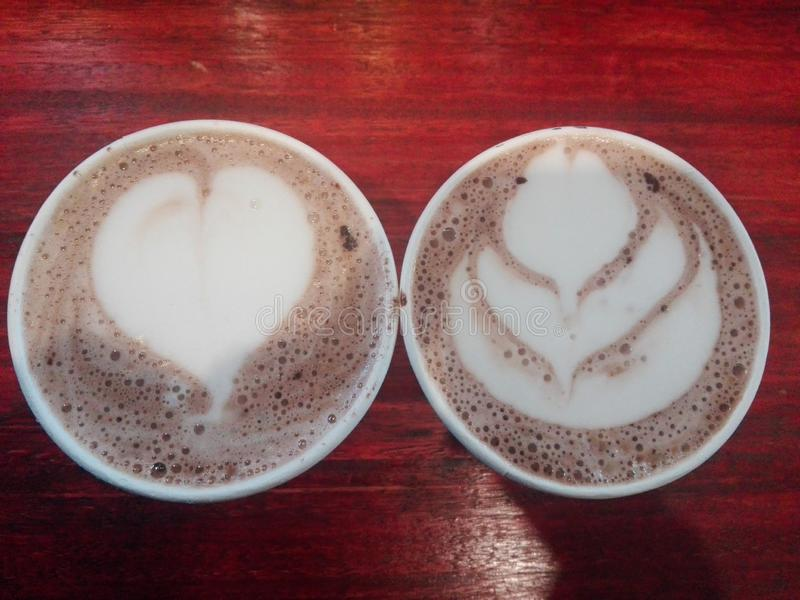 早晨咖啡和巧克力热饮 库存照片