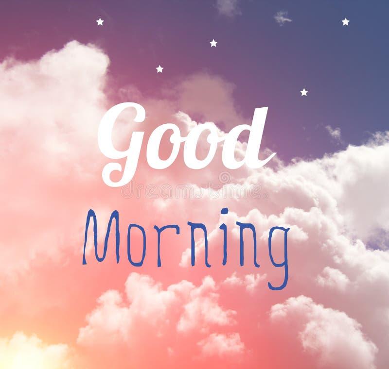 早晨好在桃红色和蓝色淡色天空和白色s的词信件 免版税库存图片