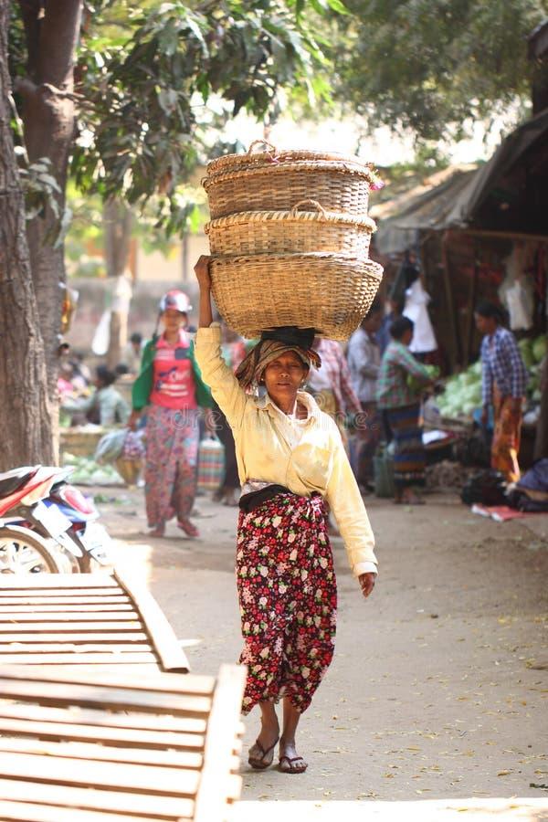 早晨新鲜市场在Bagan,缅甸 库存照片