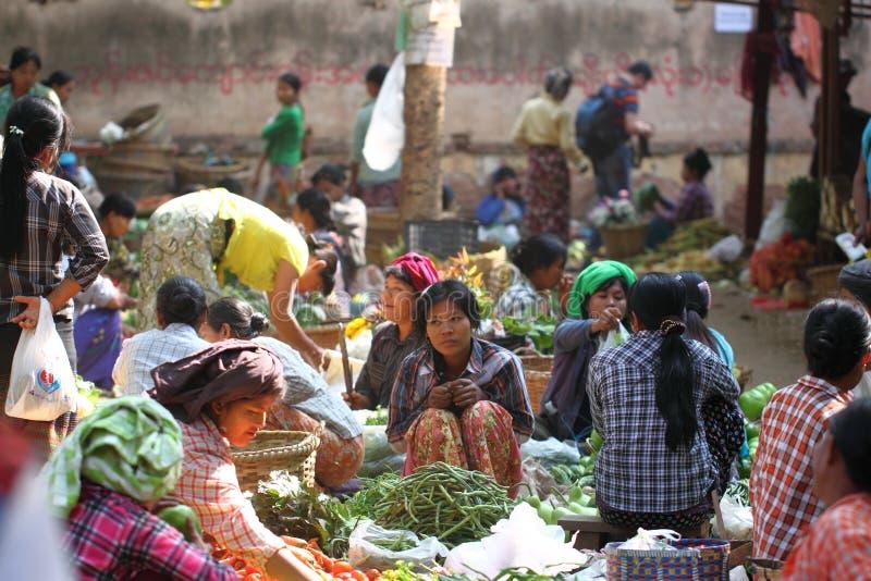 早晨新鲜市场在Bagan,缅甸 免版税库存图片