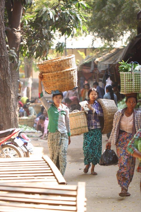 早晨新鲜市场在Bagan,缅甸 库存图片
