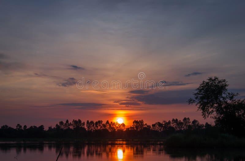 早晨日出在泰国的乡下 免版税图库摄影