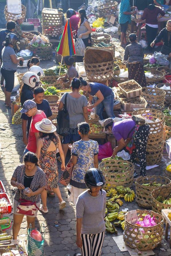 早晨水果和蔬菜食物市场在Ubud,海岛巴厘岛,印度尼西亚 图库摄影