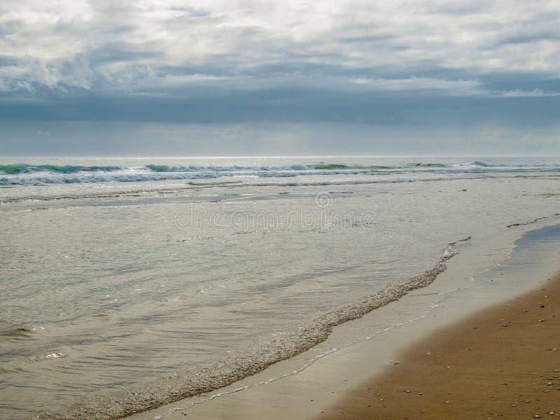 早晨海洋的太阳淡光小鹰号的 免版税图库摄影
