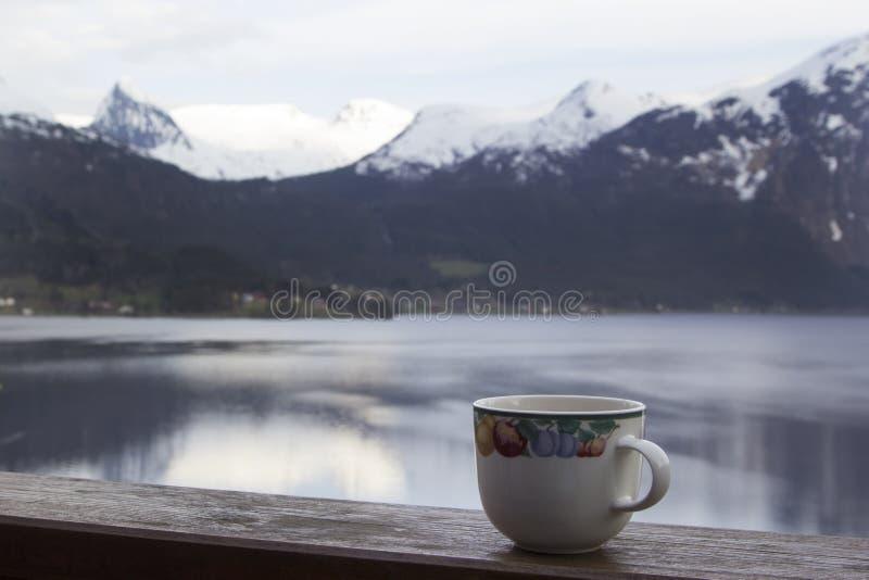 早晨茶的时刻户外 免版税库存照片