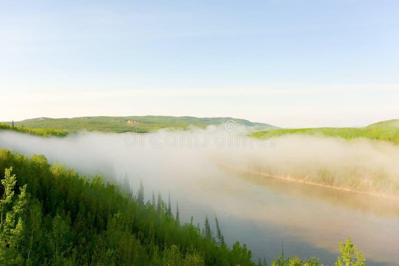 早晨薄雾在北加拿大 库存图片