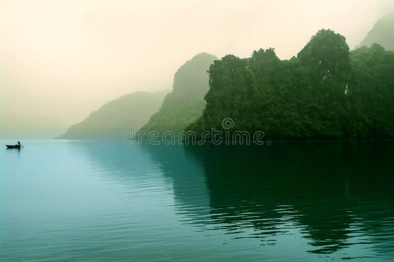 Download 早晨薄雾的海岛。 库存照片. 图片 包括有 背包, 石灰石, 聚会所, 地标, 沙子, 海岸线, 异乎寻常 - 30338158