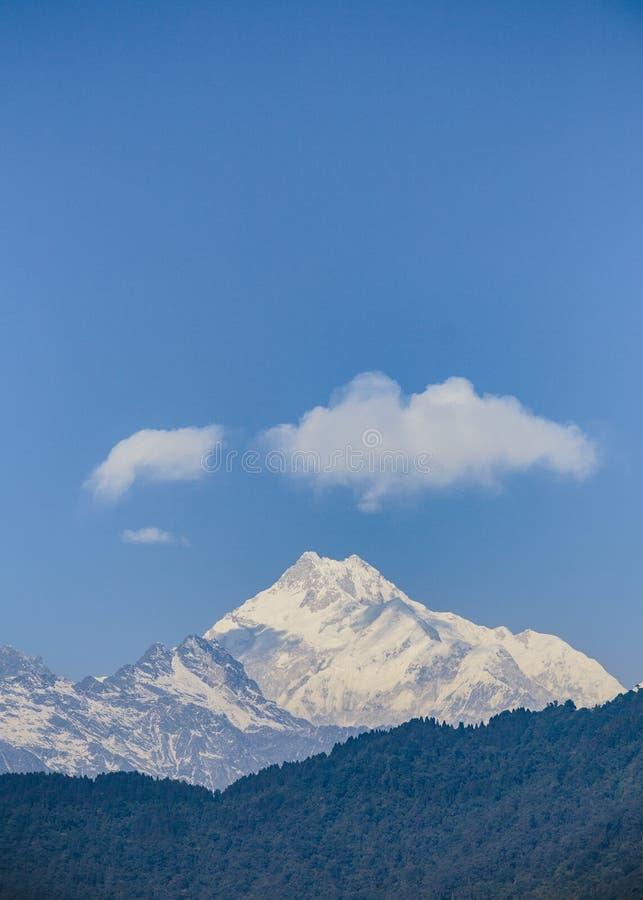 早晨观看在锡金,印度的干城章嘉峰山 库存照片