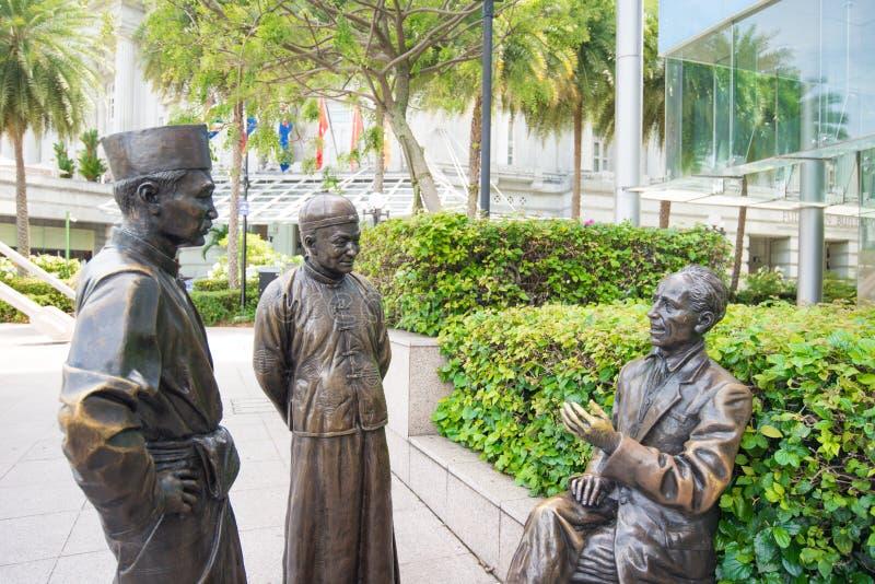 早期的在富乐顿广场的创建者纪念石头在新加坡 库存照片