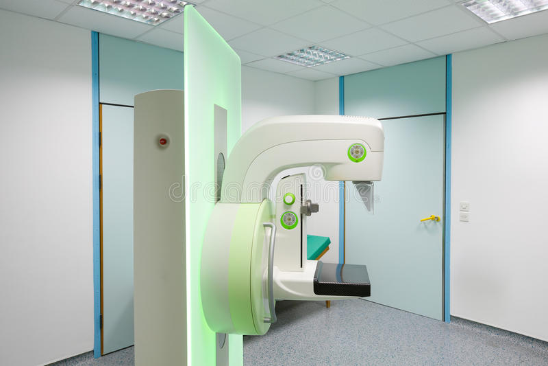 早期胸部肿瘤X射线测定法胸部检查机器 库存图片
