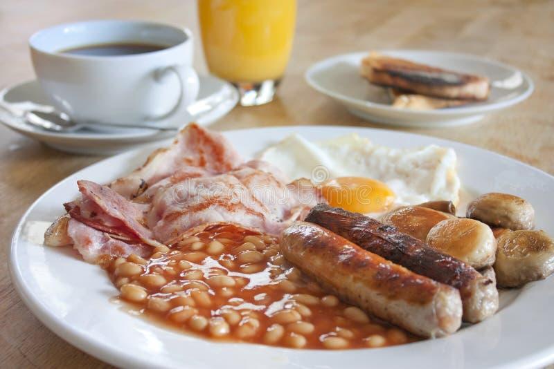 早餐木煮熟的表 免版税库存照片
