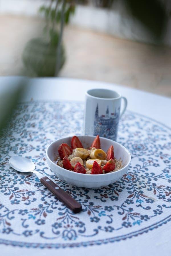 早餐用咖啡和谷物 库存照片