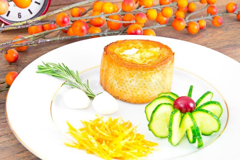 Download 早餐用在方旦糖长方形宝石的鸡蛋 库存照片. 图片 包括有 橙色, 健康, 美食, 方旦糖, 成份, 膳食 - 62529454